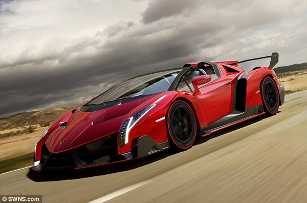 veneno1 Why Does The Lamborghini Veneno Roadster Cost So Much?