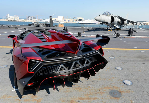 veneno5 Why Does The Lamborghini Veneno Roadster Cost So Much?